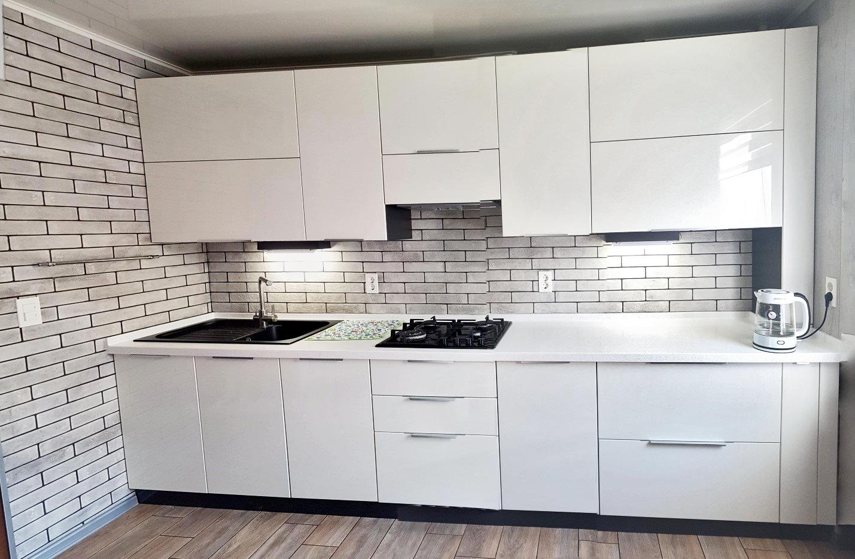 Кухня белая на заказ в Шахты