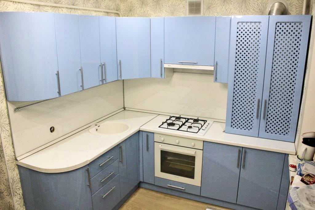Кухня на заказ Шахты крашеный фасад
