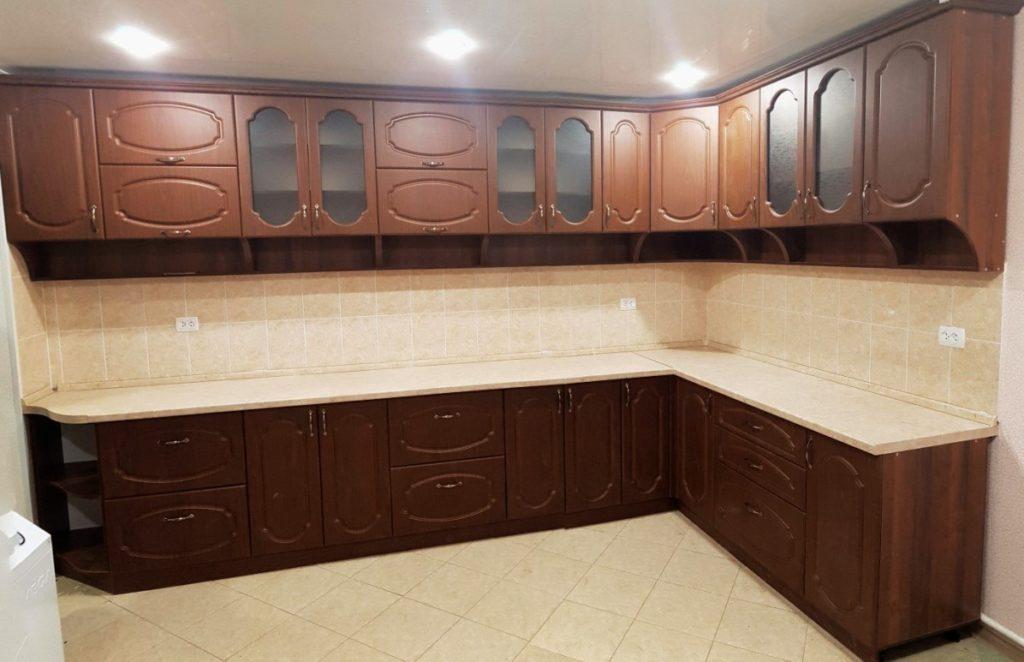 Кухня в пленке ПВХ цвет орех