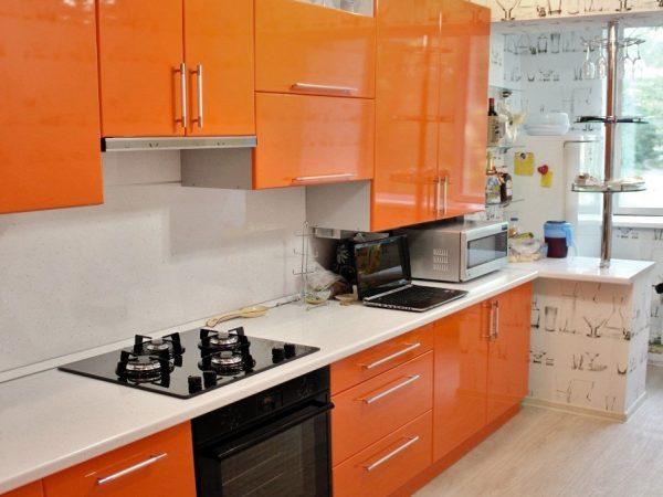 Оранжевая кухня на заказ Шахты
